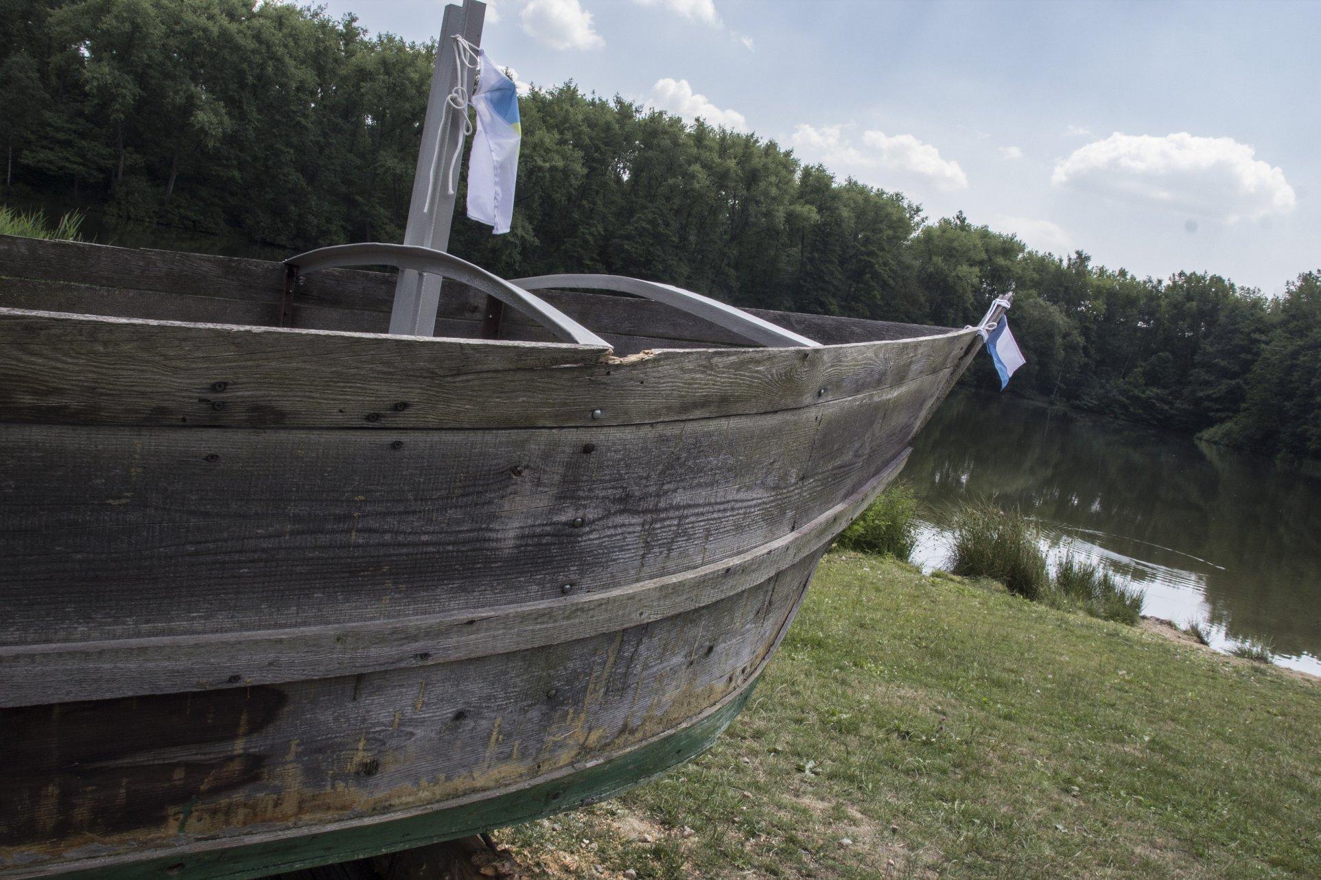 Dostavba šalupy v Novém Záluží